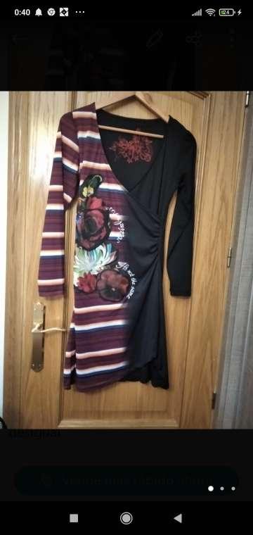 Imagen vestido desigual negro y rayas