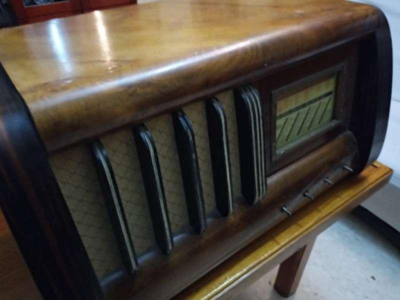 Imagen producto Radio antigua grande  3