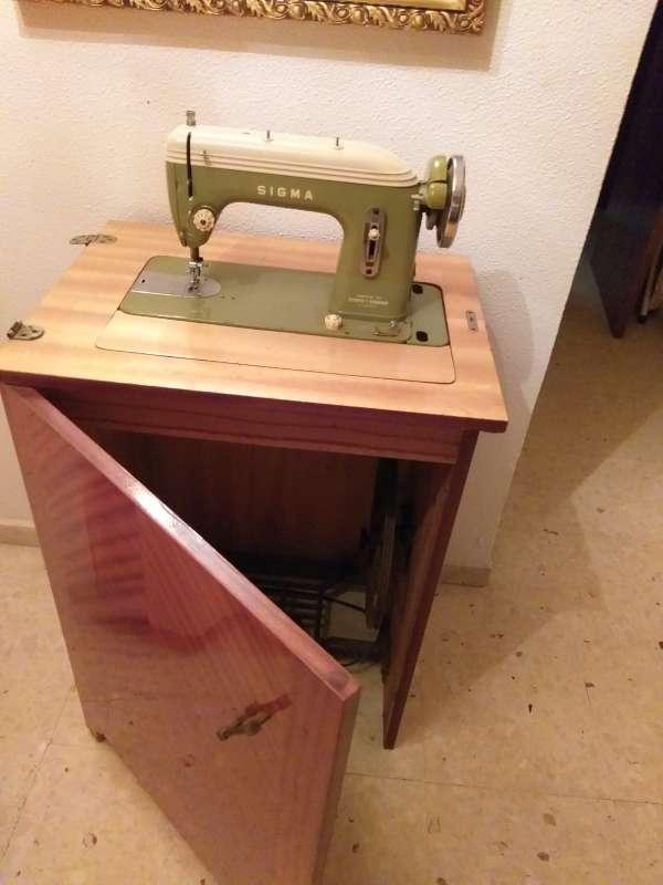 Imagen producto Maquina de coser antigua 4
