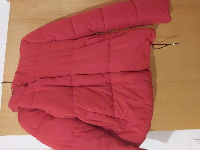 Imagen chaquetón rojo
