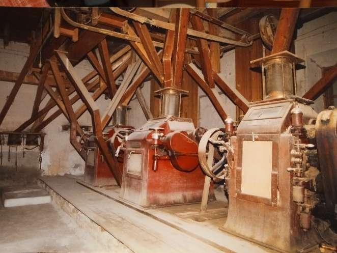 Imagen Maquinaria antigua de fabrica de harinas.