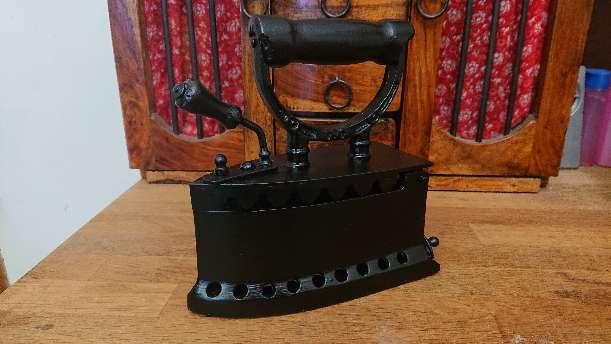 Imagen producto Plancha antigua de carbón U. C. ESPAÑA  2
