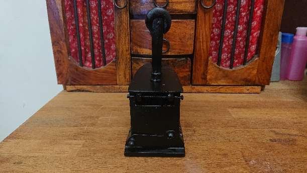 Imagen producto Plancha antigua de carbón U. C. ESPAÑA  3
