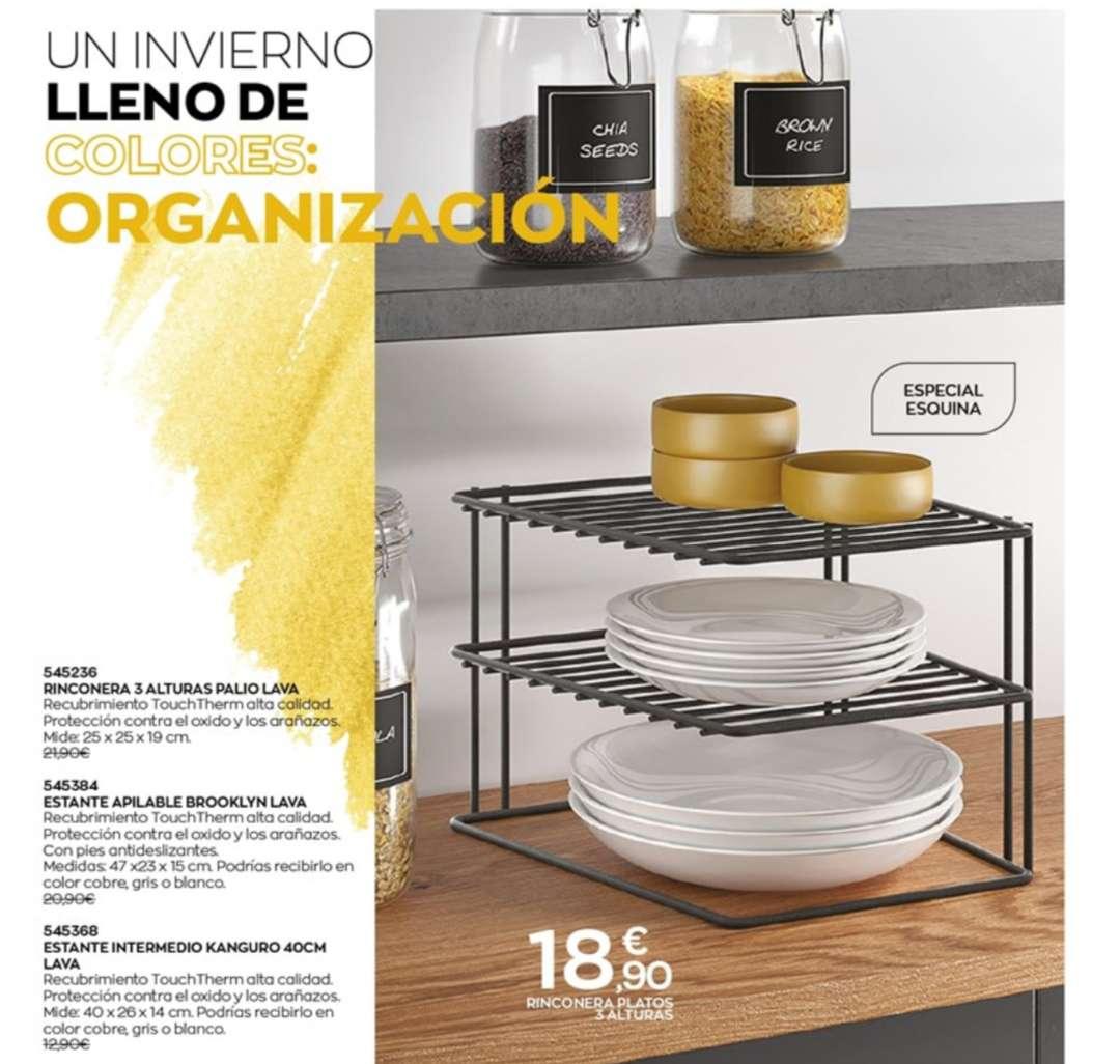 Imagen estantería de platos