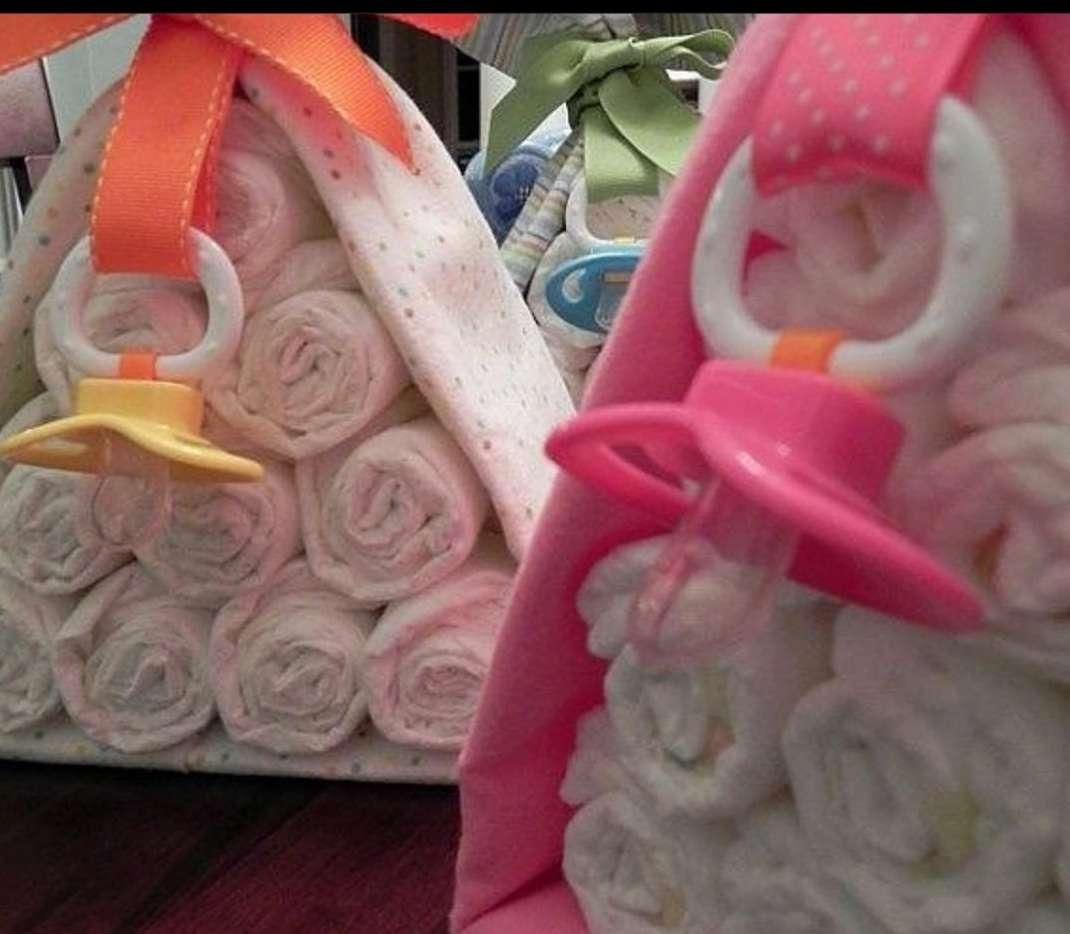 Imagen Canastilla bebe mantita chupete y pañales