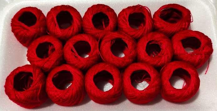 Imagen Hilo rojo en bobinas