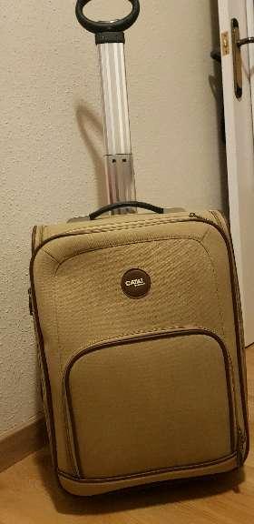 Imagen maleta con bolsillos es perfecta