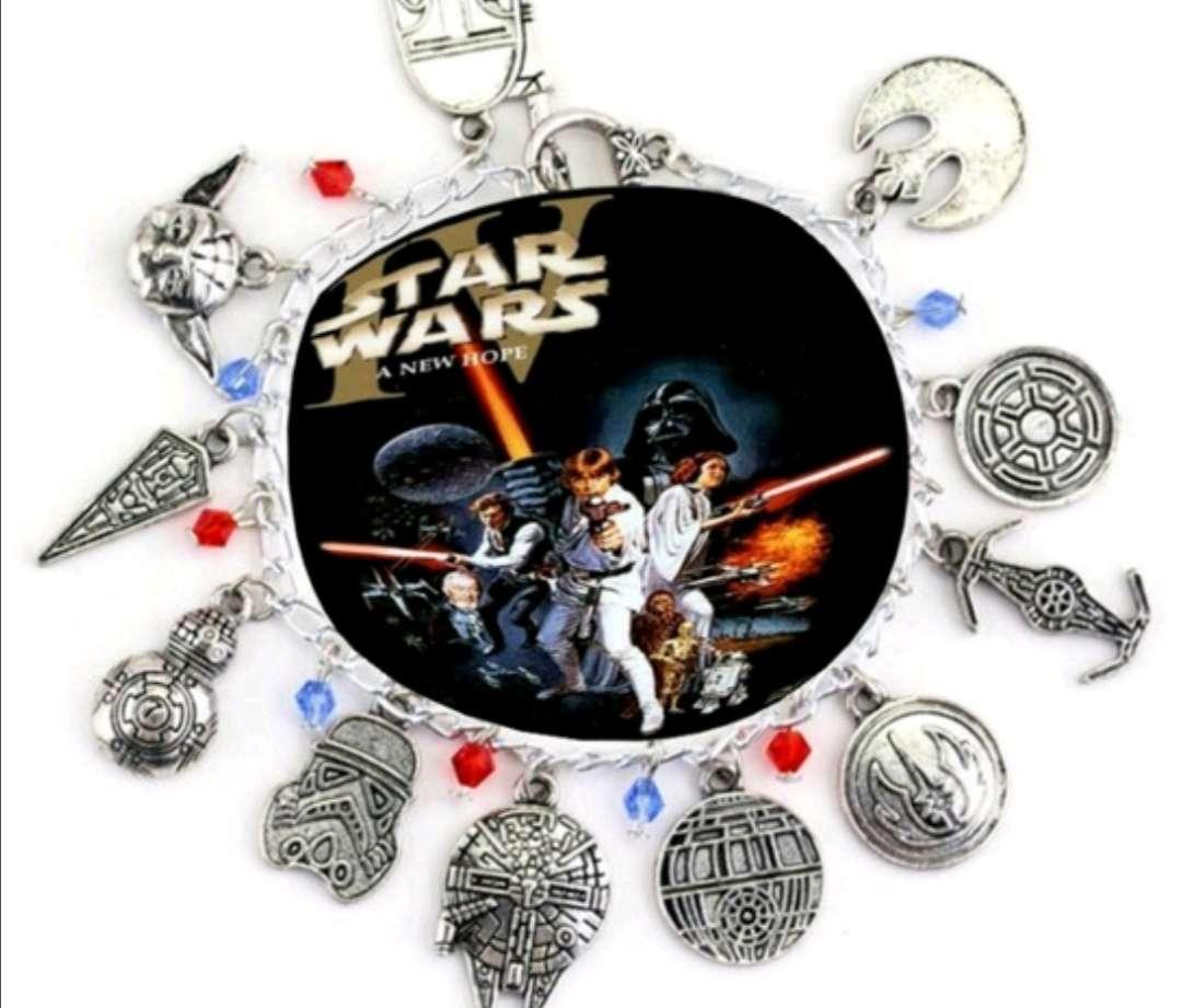 Imagen Pulsera con Charms Star Wars, el regalo ideal, está sin estrenar