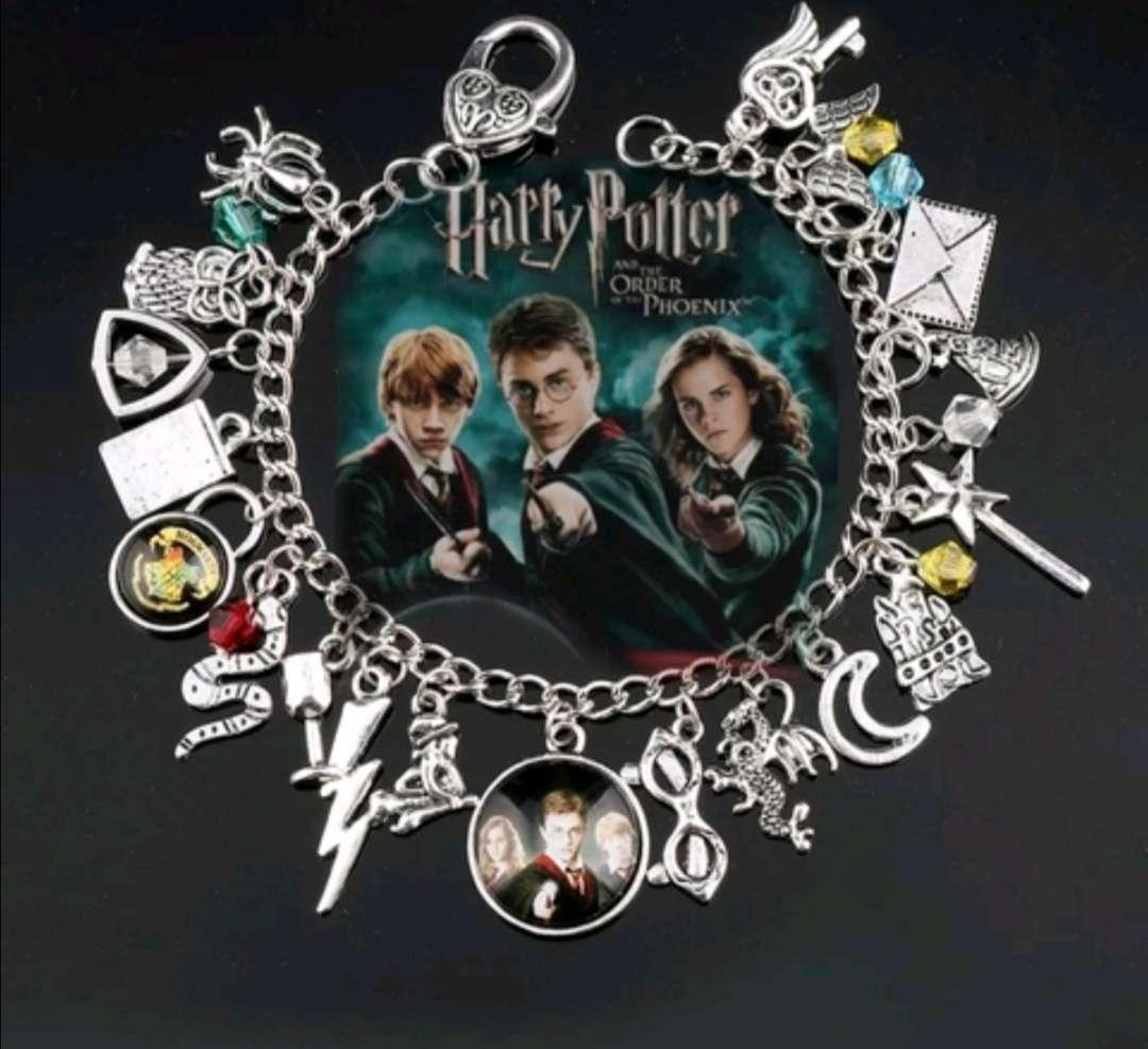 Imagen Pulsera con Charms Harry Potter, el regalo ideal, está sin estrenar
