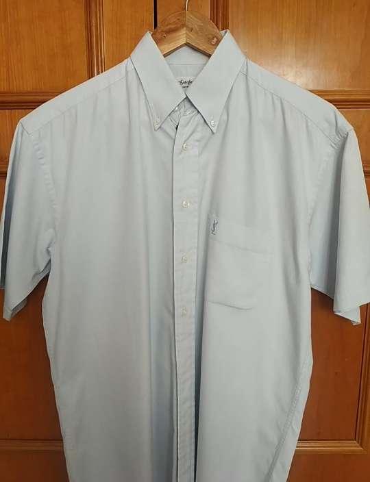 Imagen camisa azul