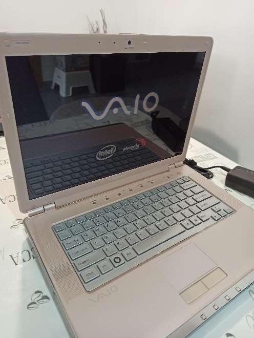 Imagen producto Sony Vaio vgn-cr220E 2