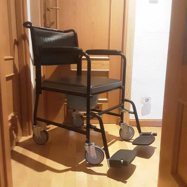 Imagen Silla auxiliar de ruedas