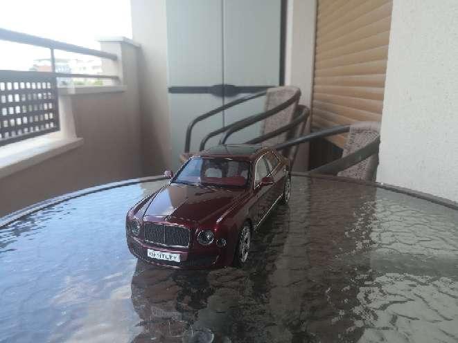 Imagen coche a escala 1/18 Bentley kyosho