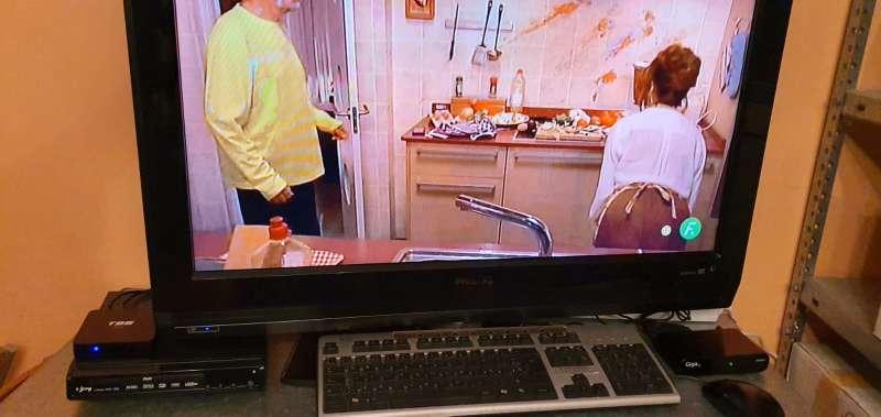 Imagen producto TV Philips HD Modelo 32pfl5522d/12 6
