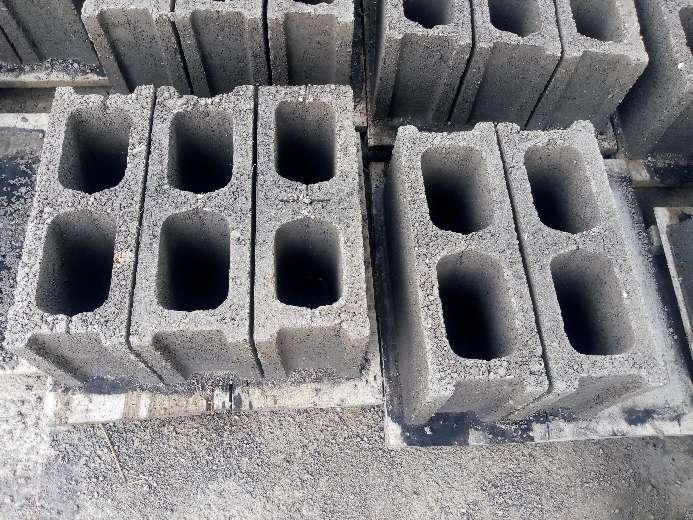 Imagen producto Bloques de cemento 2