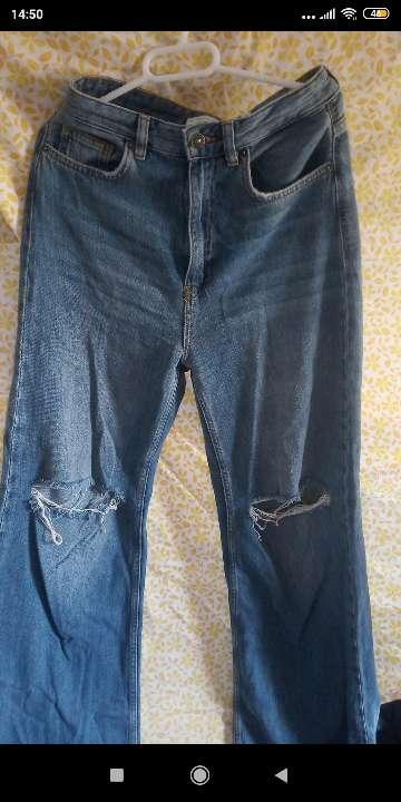 Imagen pantalón roto