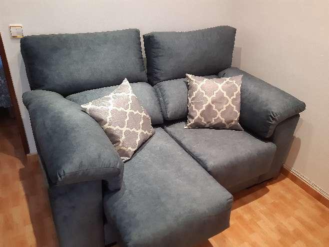 Imagen sofá con solo 9 meses