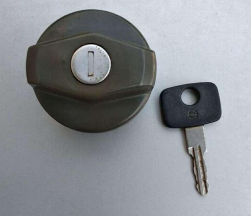 Imagen tapón Opel kadett
