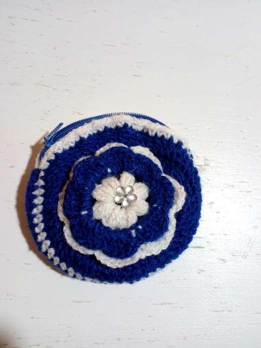Imagen Monedero tejido con flor