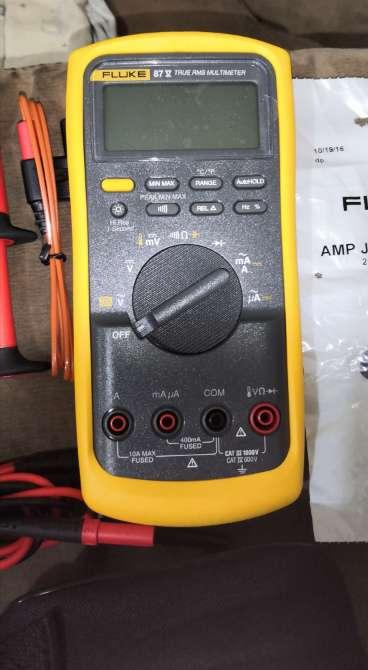 Imagen producto Multímetro digital Fluke modelo 87v/E2 3