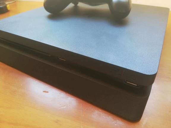 Imagen PS4 slim nueva