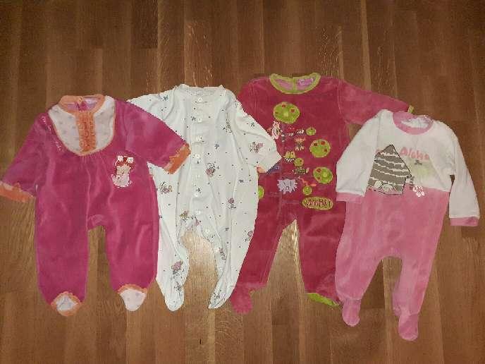 Imagen Lote de pijamas bebé, 6m.