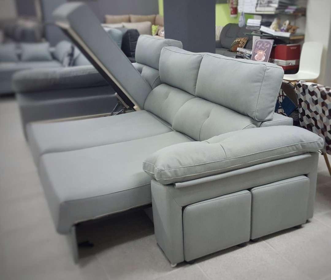 Imagen Sofá chaiselongue arcón cama color plata
