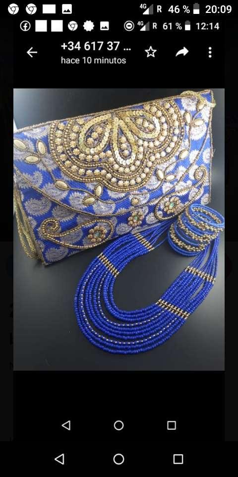 Imagen conjunto de bolso y joyas