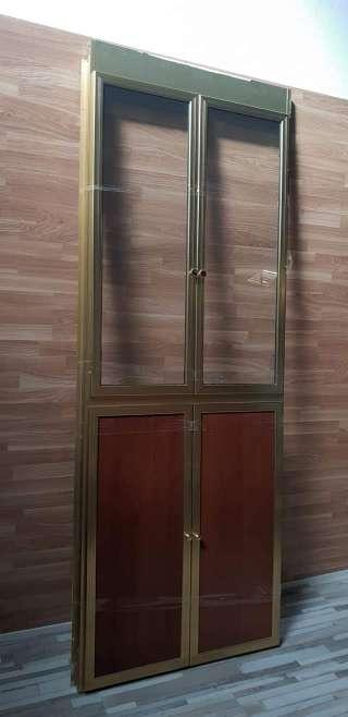 Imagen Frente de aluminio con puertas