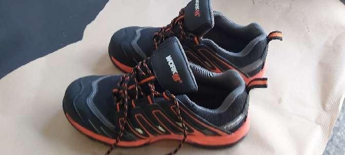 Imagen zapatillas seguridad