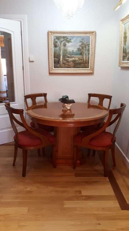 Imagen Mesa y 4 sillas
