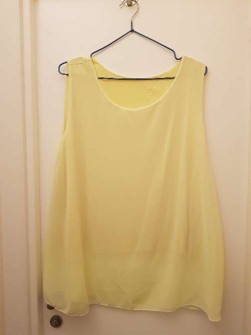 Imagen blusa amarilla clarita