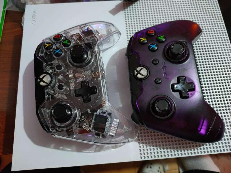 Imagen producto Xbox one con 2 mandos y 3 juegos 3
