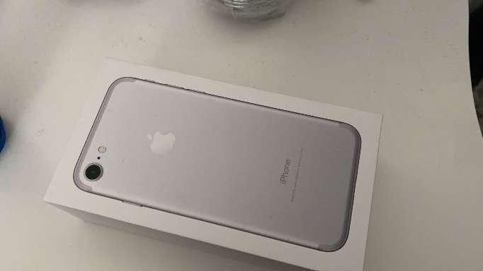 Imagen producto IPhone 7 totalmente nuevo 2