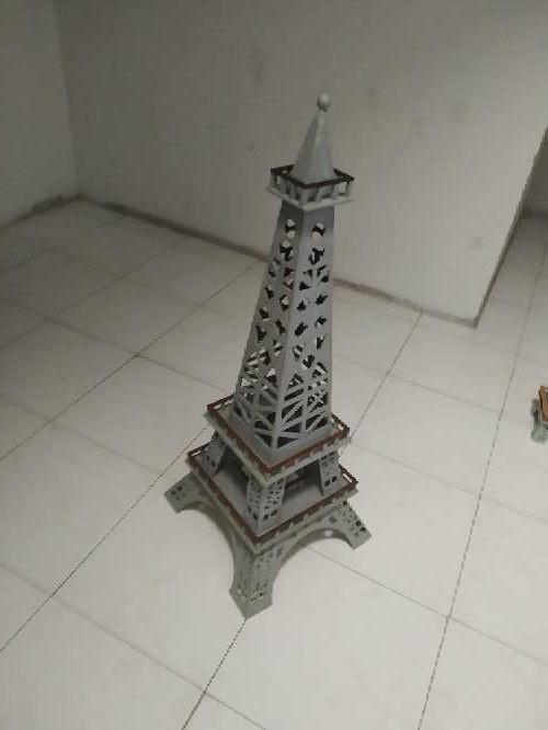 Imagen producto Vendo Torre Eiffel grande 2