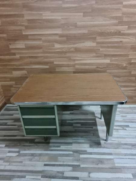 Imagen Mesa despacho metalica