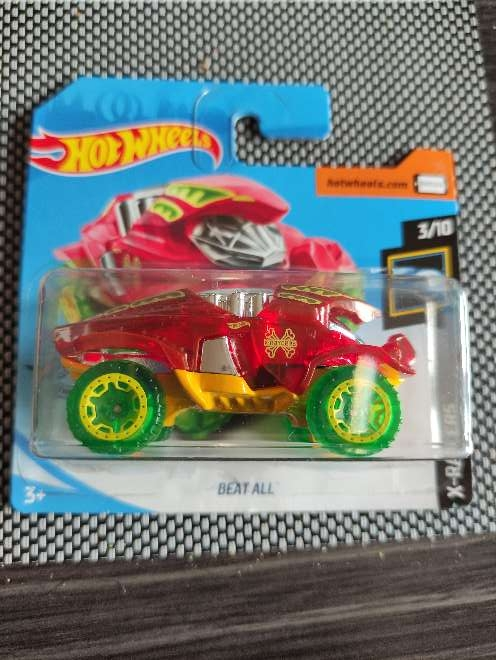 Imagen Hot Wheels Beat All rojo 3/10 X-Raycers