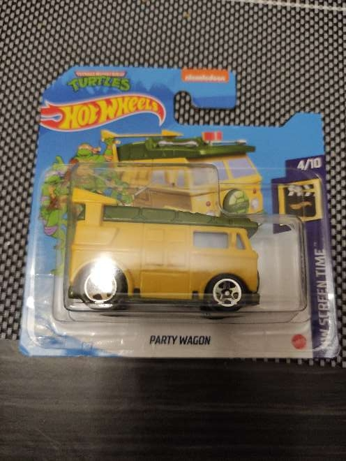 Imagen Hot Wheels TMNT Party Wagon amarilla 4/10 HW Scree