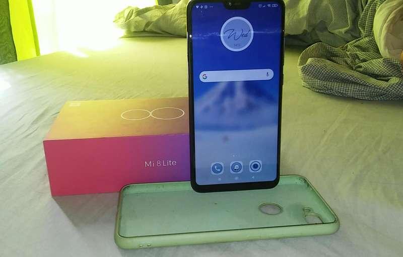 Imagen producto Xiaomi Mi 8 Lite  1