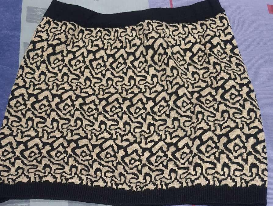 Imagen Falda negro y dorada