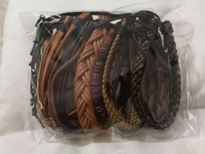 Imagen producto Pulseras Adaptables de Cuero tonos marrones, para Hombre o Mujer  2