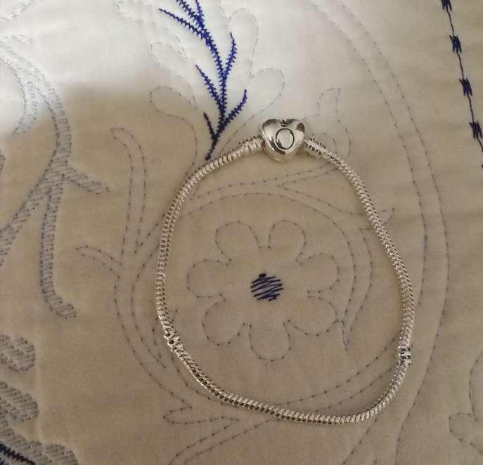 Imagen producto Pulsera Corazón Logo Pandora para Charms de Pandora, Bañada en Plata  3