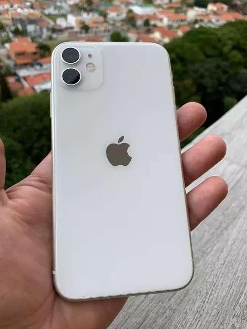 Imagen producto IPhone 11 Blanco con 128 GB de almacenamiento interno y 4 de memoria RAM  2