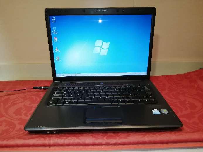 Imagen Ordenador portátil HP Compaq C700 con Windows 7