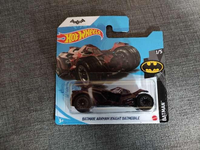 Imagen Hot Wheels Batman: Arkham Knight Batmobile 1/5 Batman.