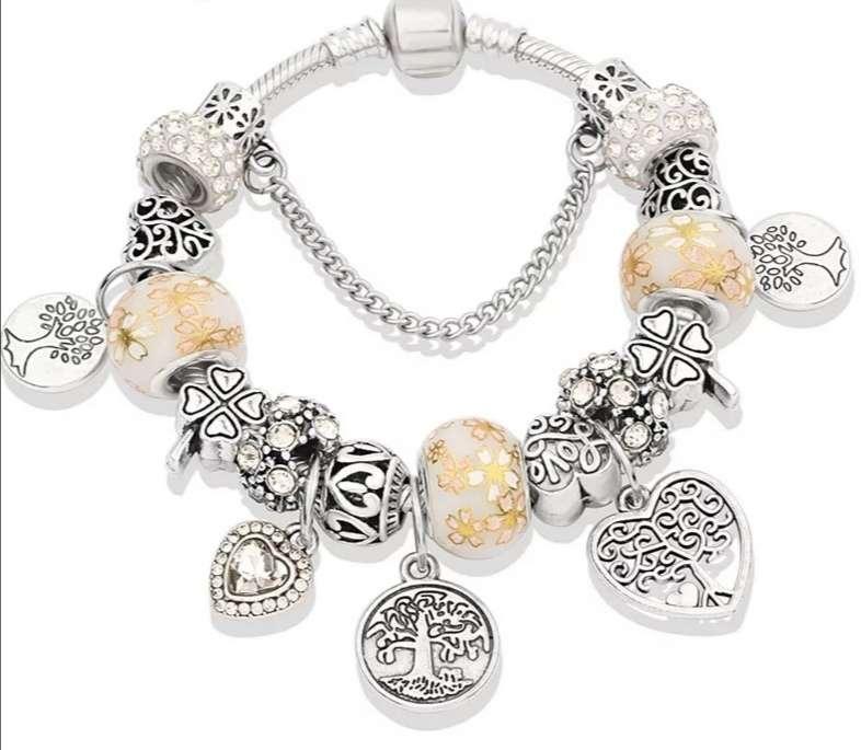 Imagen Pulsera Pandora con Charms Del Árbol de la Vida, Corazón.. Bañada en Plata