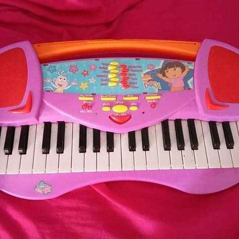 Imagen teclado infantil Dora