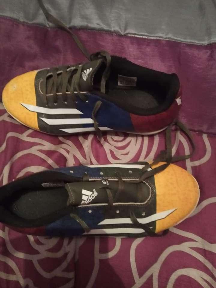 Imagen deportivas Adidas número 37