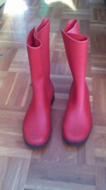 Imagen botas de agua rojas número 34