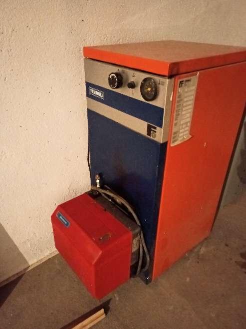Imagen caldera de estufa de gasoil